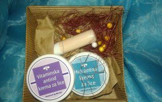 Kozmetički paket - kreme za održavanje kože lice i negu usana