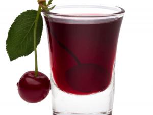 Bogati ukus voćnog likera od višnje