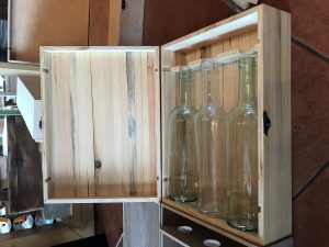 Drveni kovčežić za medena pića